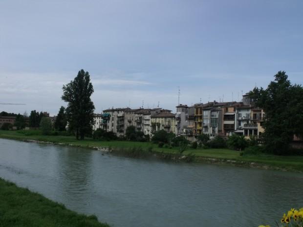 Italy 338