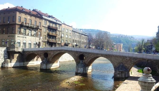 Sarajevo! Saray-Ova!