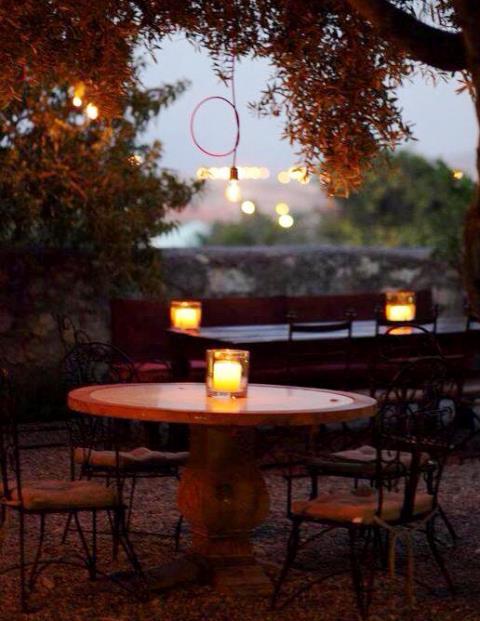 Alaçatı'da enfes bir bar, restoran, Su'dan!